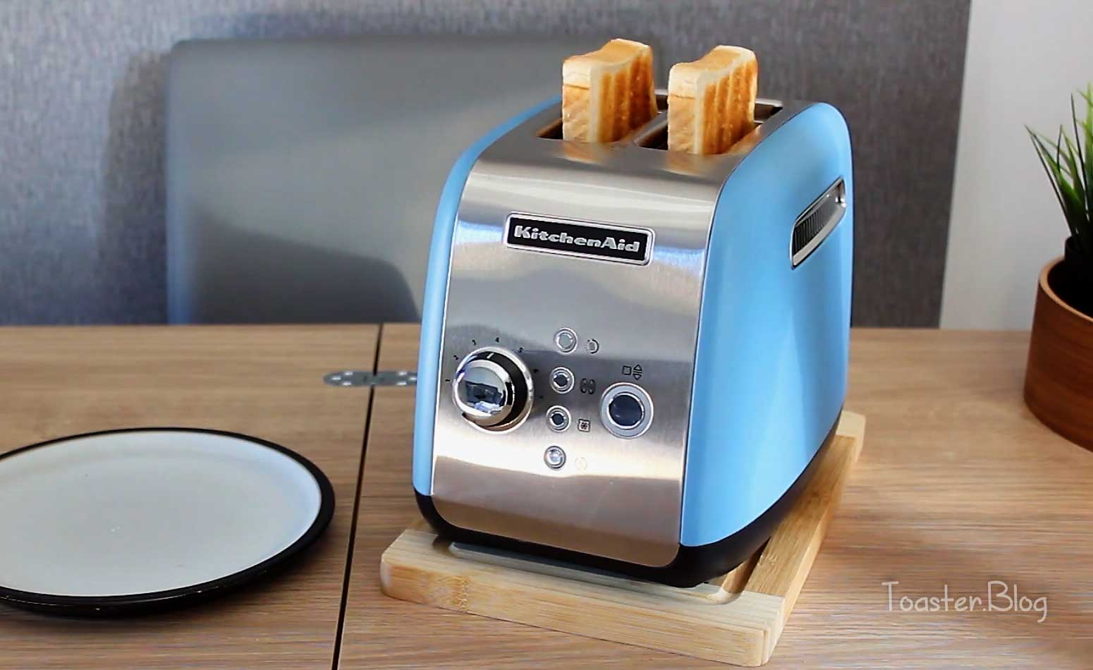 Best baby blue toaster
